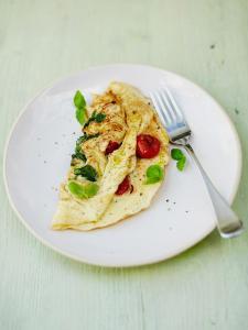Tomato & basil omelette