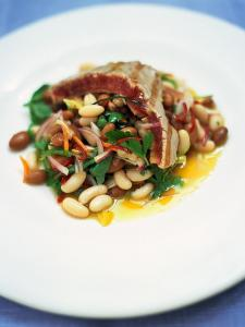 Chargrilled tuna with dressed beans and loadsa herbs