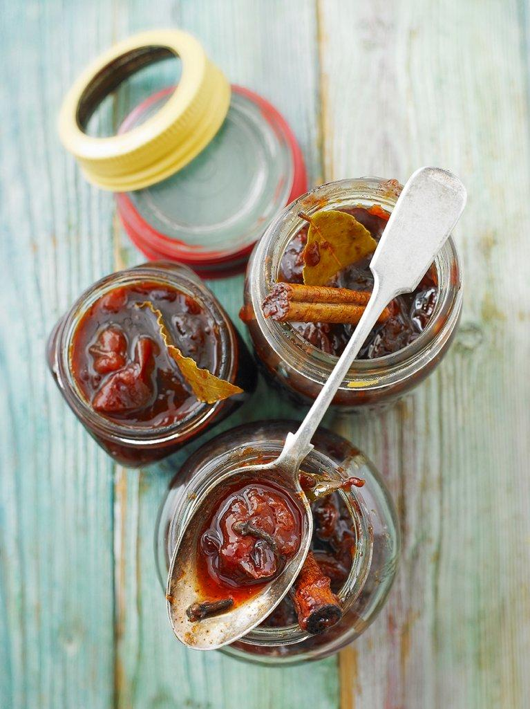 Spiced plum chutney
