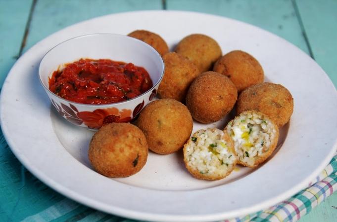 Classic Arancini Di Riso (Risotto Rice Balls)