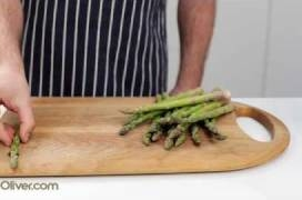 How To - prepare asparagus, with Jamie Oliver's mate Pete