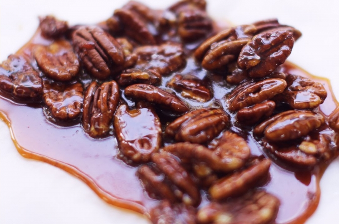 How To Make Caramel & Pecan Brittle