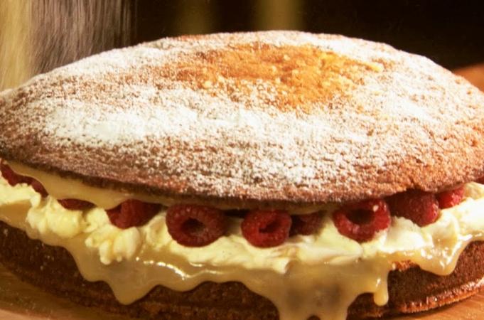 Super Simple Sponge Cake