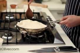 How To - make tarte tartin from 'Jamie Does...'