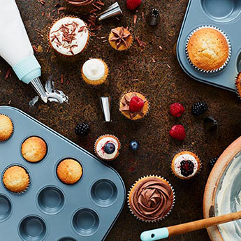 Tips, recipes and equipment for beautiful bakes