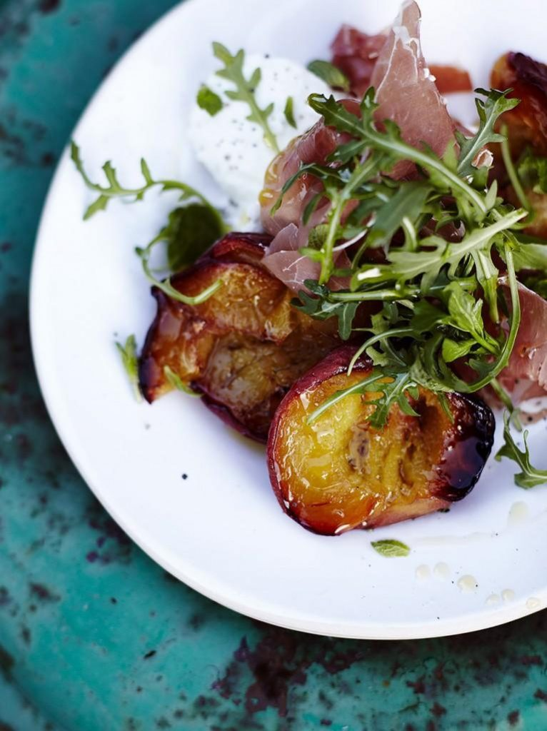 Roast peach & parma ham salad