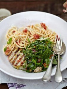 Grilled tuna with tomato spaghetti