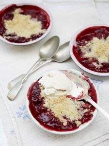 Gluten-free strawberry & raspberry crumble