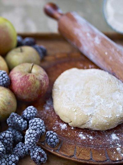 Old-fashioned sweet shortcrust pastry