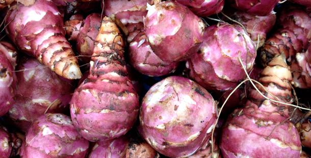 jerusalem artichokes in a pile