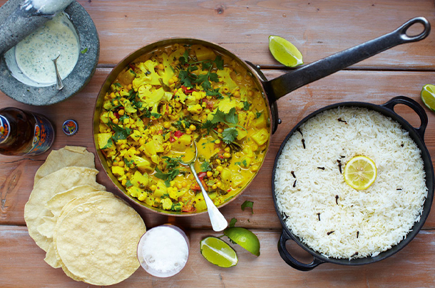 vegetarian recipes - chickpea curry with rice and poppadoms