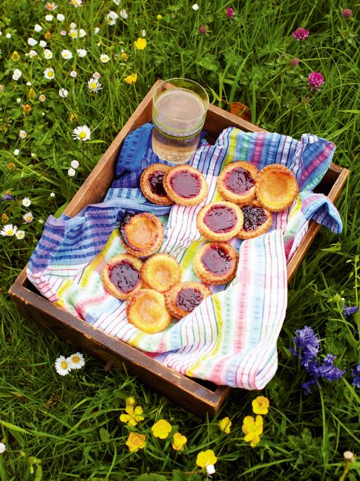 10 tips for a proper picnic jamie oliver features picnic tips forumfinder Gallery