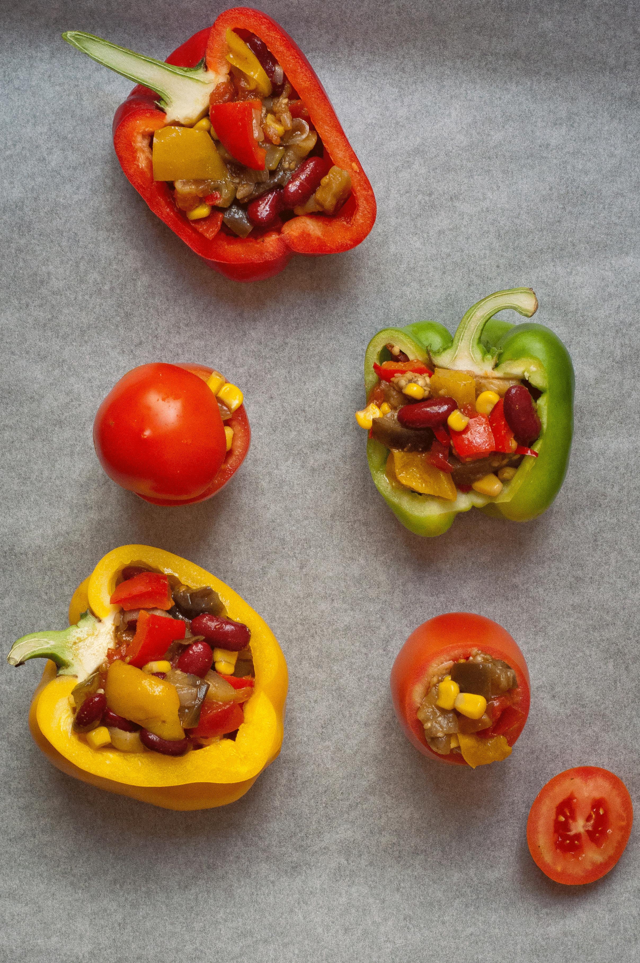 vegan chilli-stuffed peppers