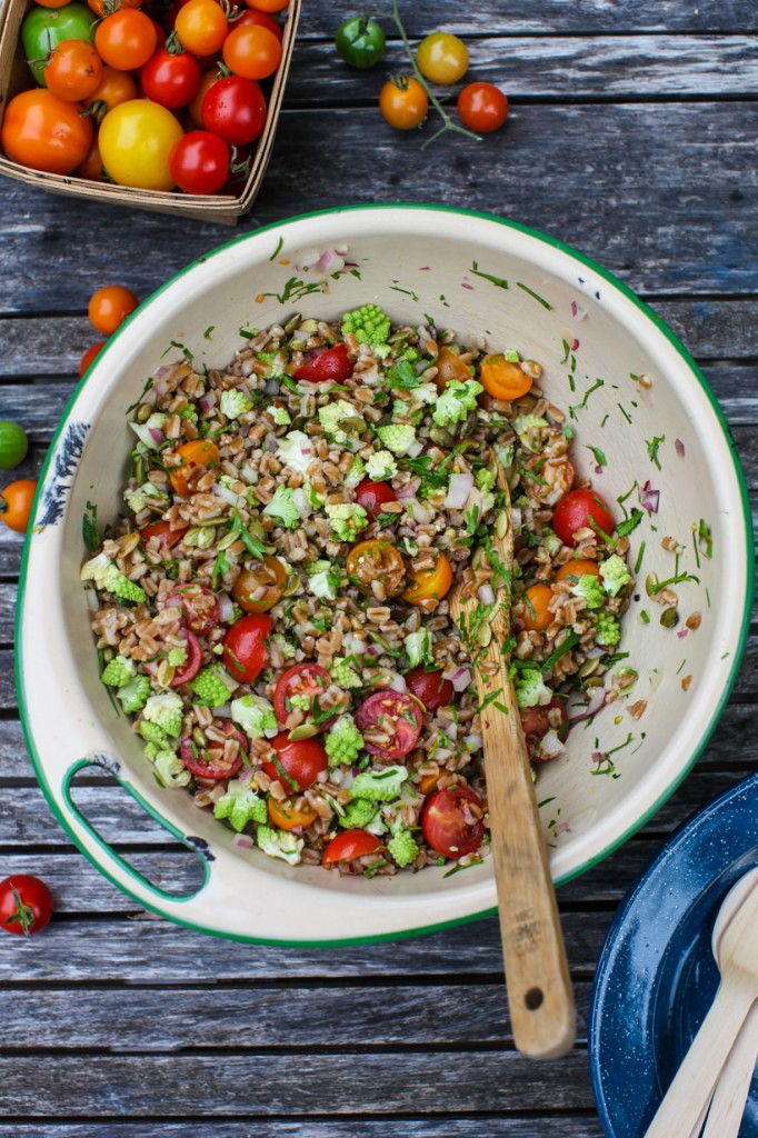 tomato farro salad
