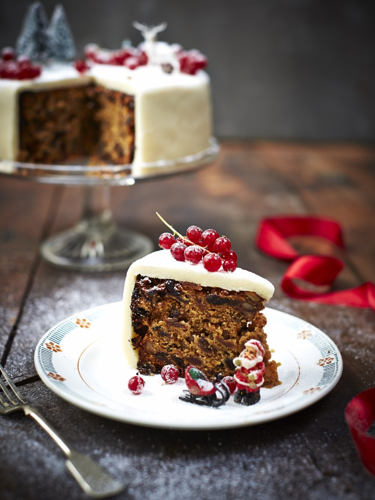 Christmas Cake Recipes Pictures : Bee s Bakery s perfect Christmas cake recipe - Jamie ...