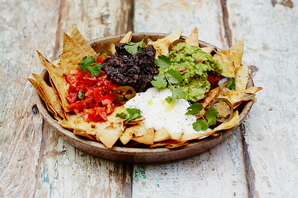 Mexican recipes jamie oliver how to construct the perfect nachos forumfinder Image collections