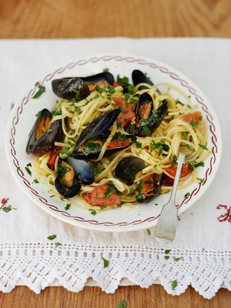 grandads mussel linguine - Italian Christmas Food