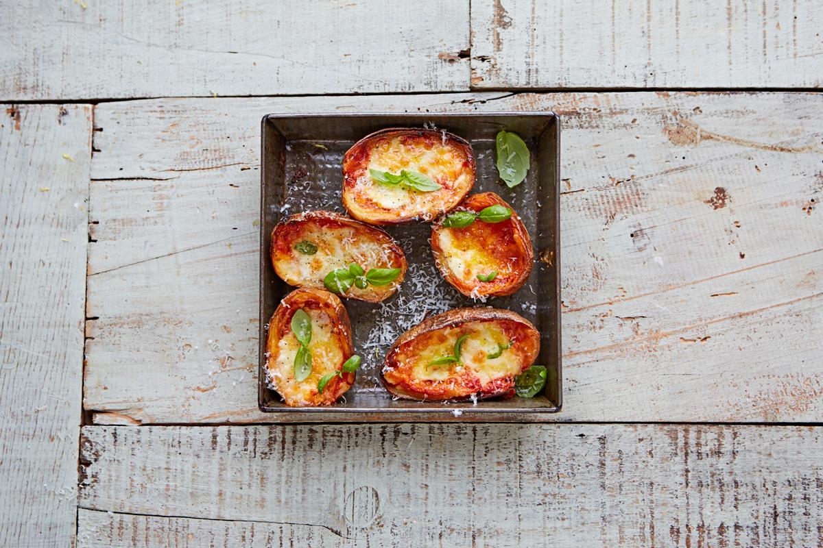 Tomato_mozzarella_basil_potato_skins_16297_preview