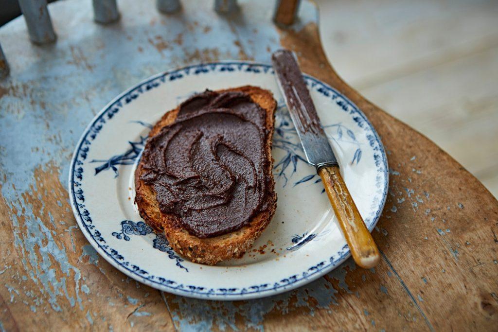 chocolate spread on toast