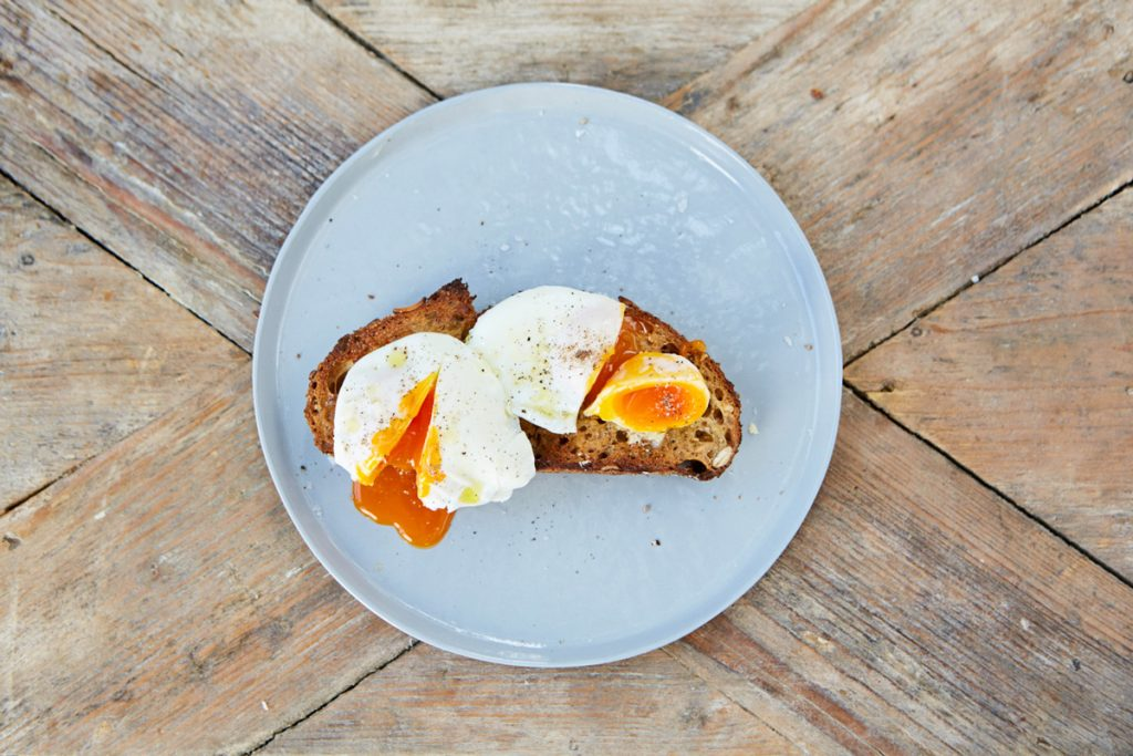 How to make a poached egg with cling film
