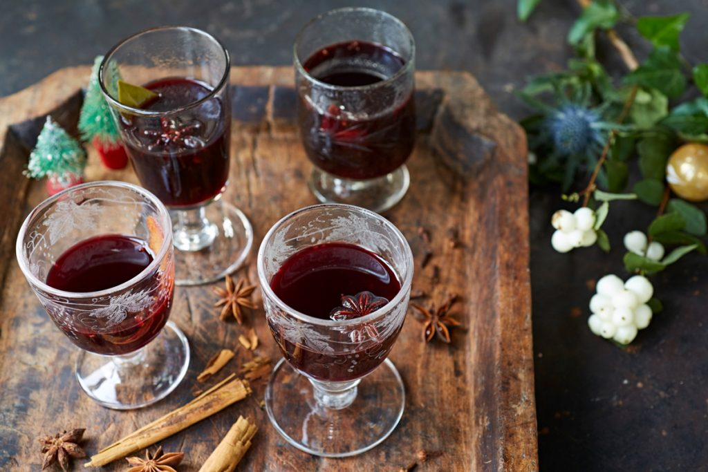Oliver Make To Features Jamie Mulled Wine How