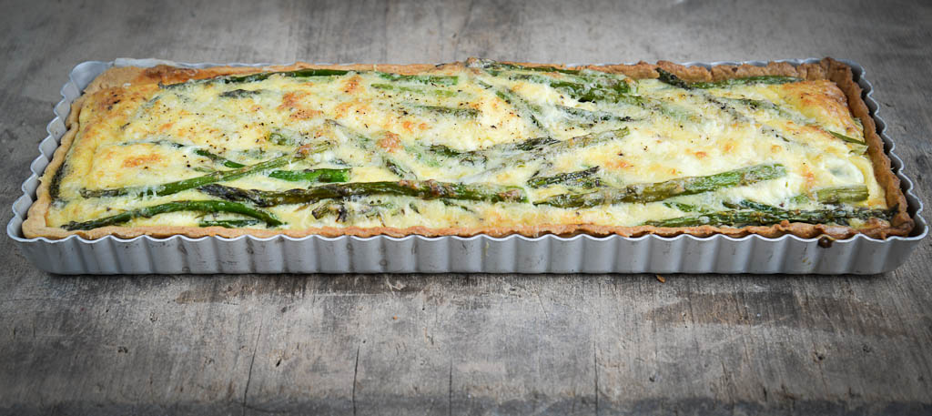 asparagus and cheddar tart