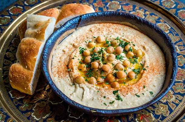 Image of a bowl of houmous