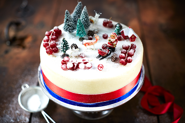 Bee's Bakery's perfect Christmas cake recipe