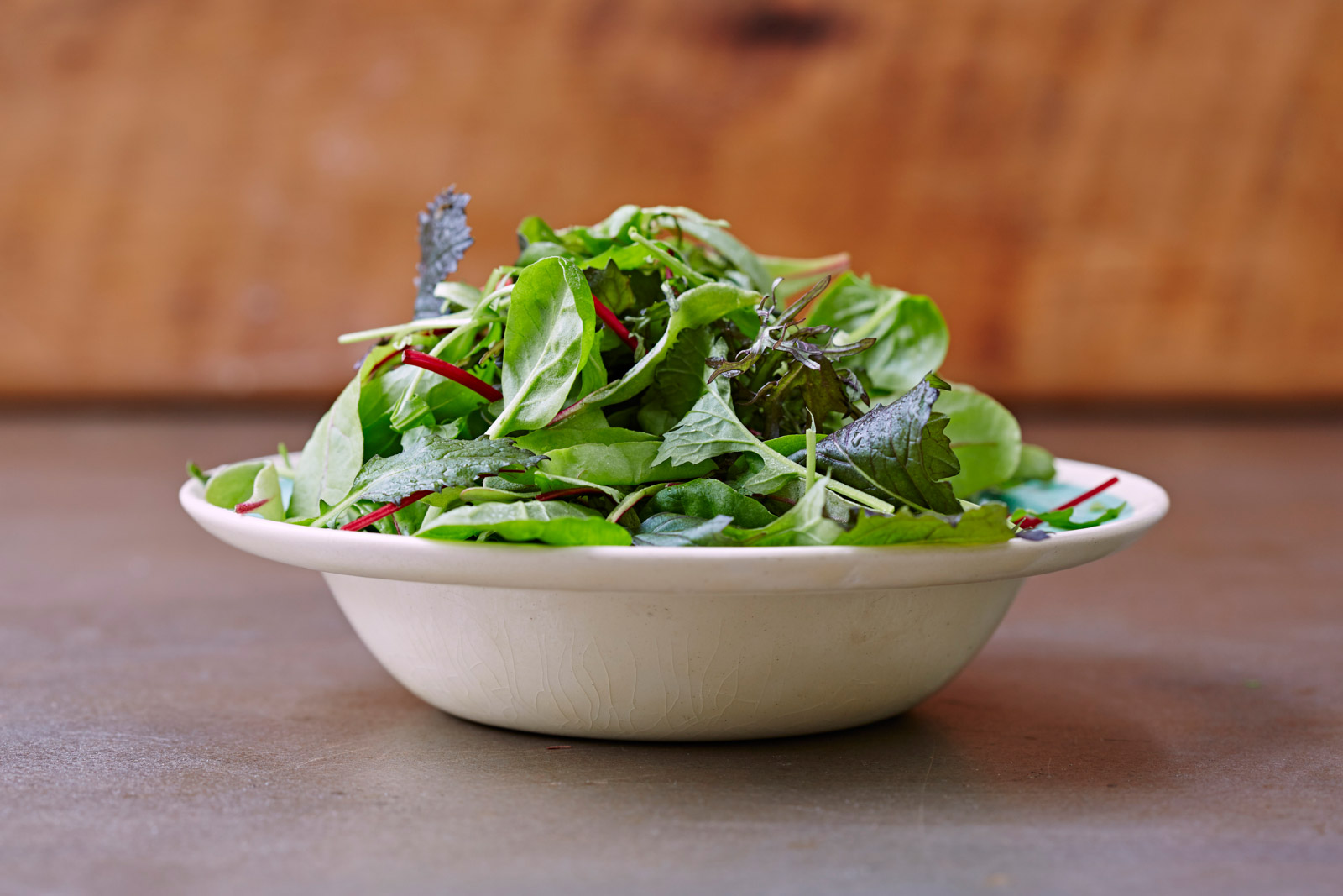 easy to remember food portion guide for salad which is one large bowl