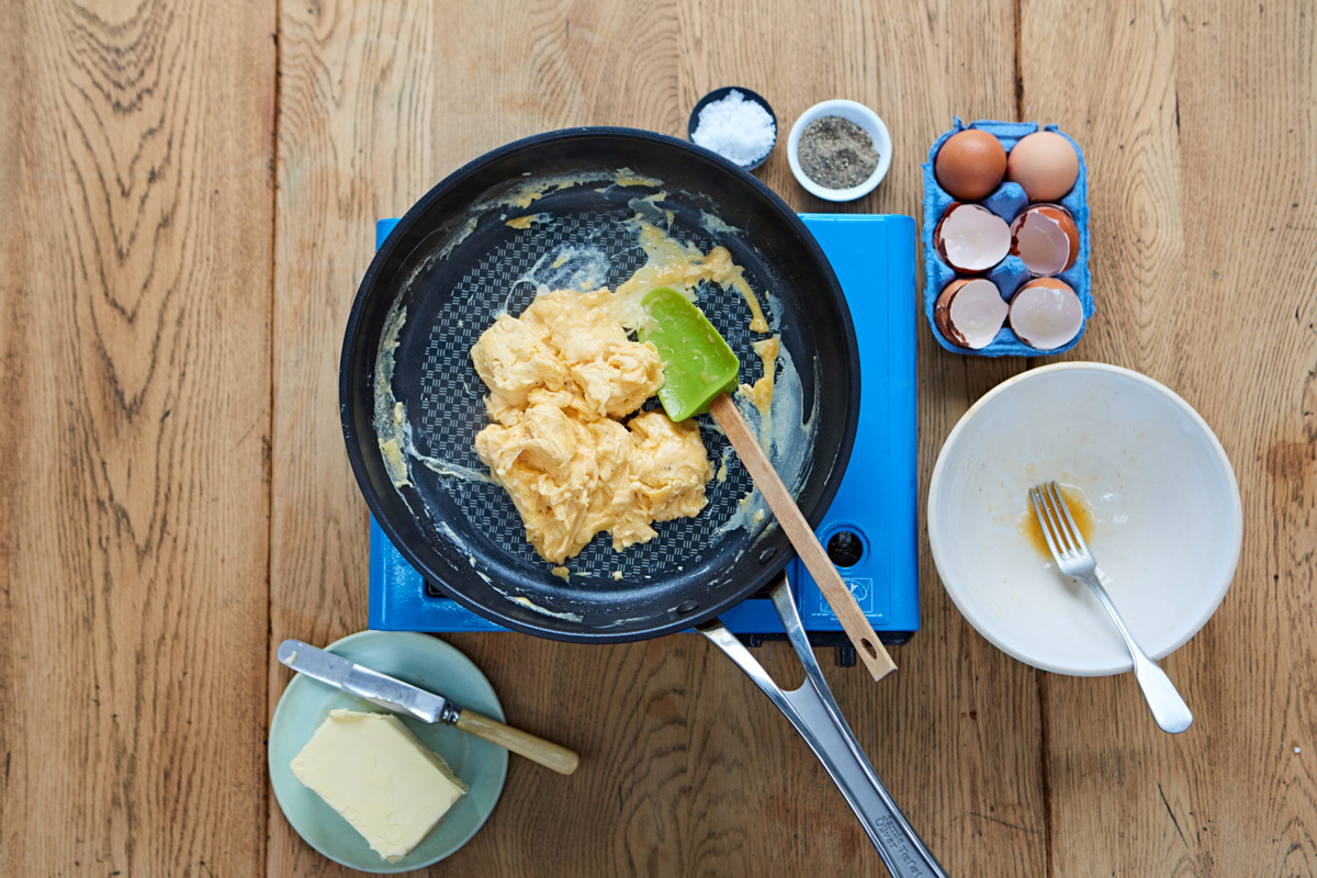 How To Make Perfect Scrambled Eggs Jamie Oliver Features