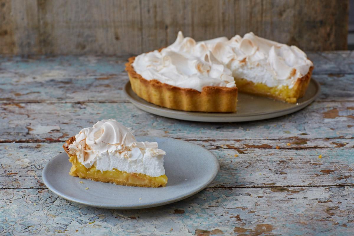 Lemon Cake With Lemon Pie Filling