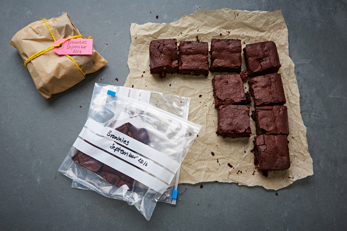 everyday_recipes_for-your_freezer_blooming_brilliant_brownies_1710_preview