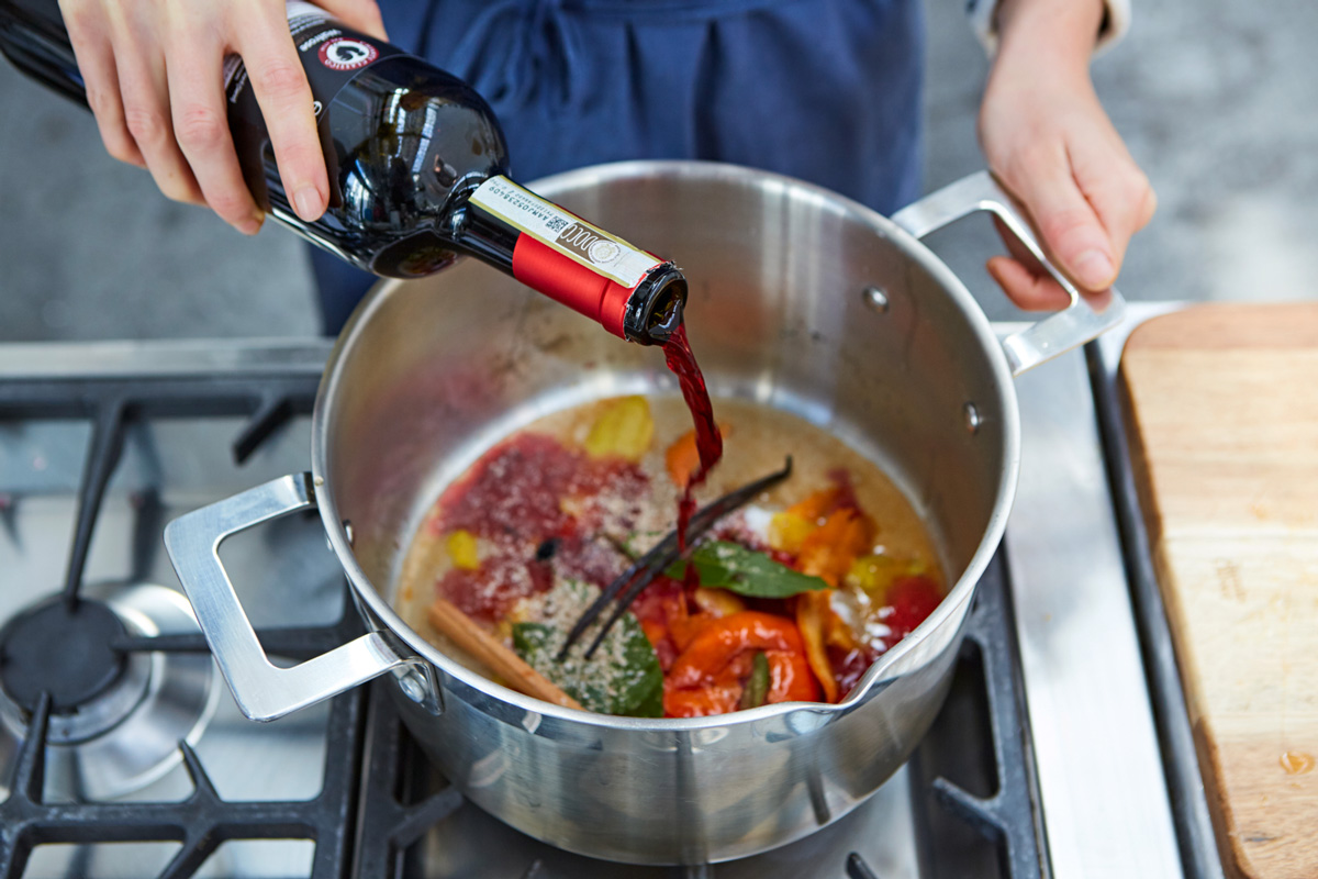 How to cook mulled wine at home - 4 recipes from red and white wine 95