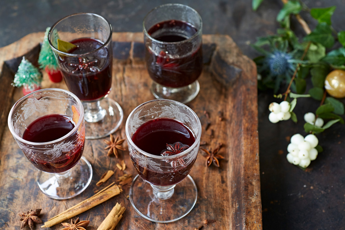 how to make mulled wine features jamie oliver. Black Bedroom Furniture Sets. Home Design Ideas
