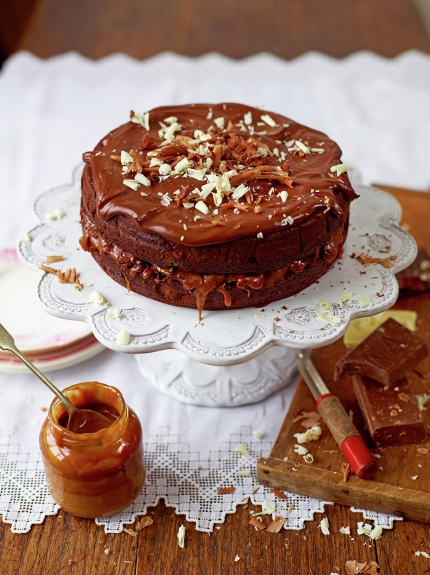 Perfect chocolate cake - caramel twist