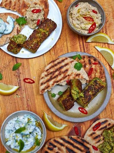 plate of vegan kofte with flatbreads