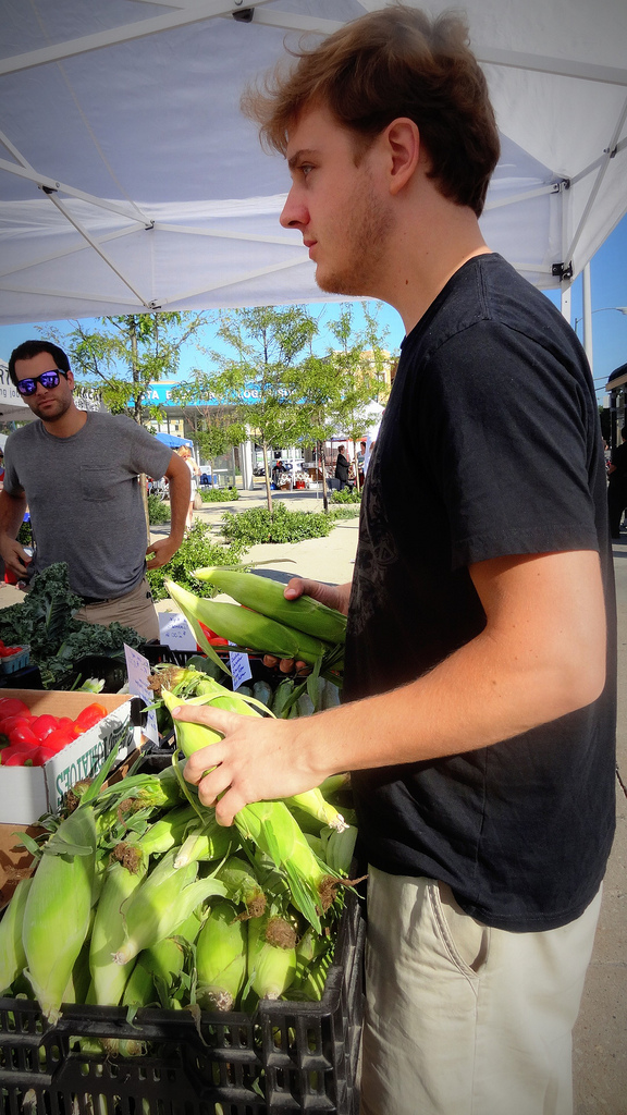 As the train rolled in, MTP Chef Sam Crocker and Sous Chef John Mitsch hit the farmers market in Chicago.  The duo scoped out the freshest ingredients at markets across the country to make meals that were organic, local, and healthy - even on a train.