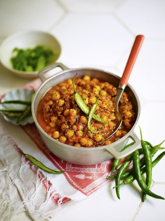 Chickpea curry vegetable recipes jamie oliver chickpea curry forumfinder Images