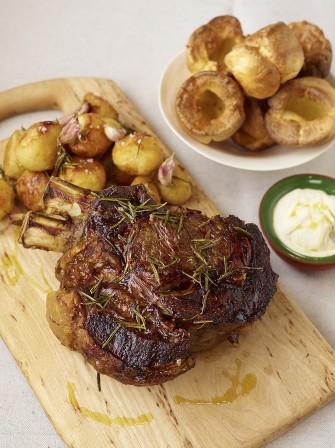 Roast forerib of beef beef recipe jamie oliver recipes roast forerib of beef with garlic rosemary forumfinder Choice Image