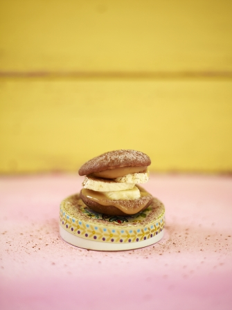 Chocolate & banoffee whoopie pies