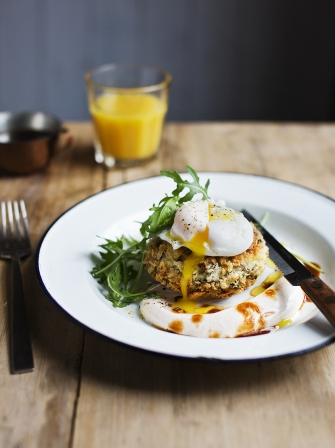 Beef Hash Cakes With Chipolte Yoghurt Beef Recipes Jamie Oliver