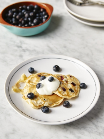 One-cup pancakes with blueberries