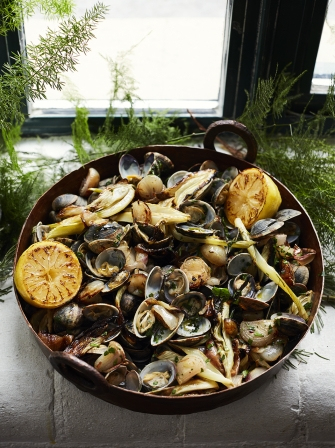 Baked clams with roasted sweet shallots & fennel