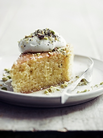 Jamie Oliver S Quick And Easy Ground Almond Cake