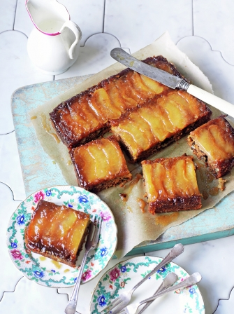Vegan toffee apple upside-down cake