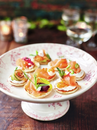 Smoked salmon blinis jamie oliver for Canape ideas nigella