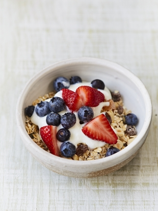 DIY oaty fruity cereal