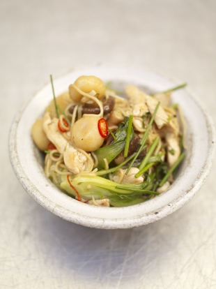 Chicken chow mein with bok choi & water chestnuts