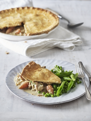 Chicken & tarragon plate pie