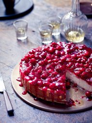 Baked cranberry cheesecake